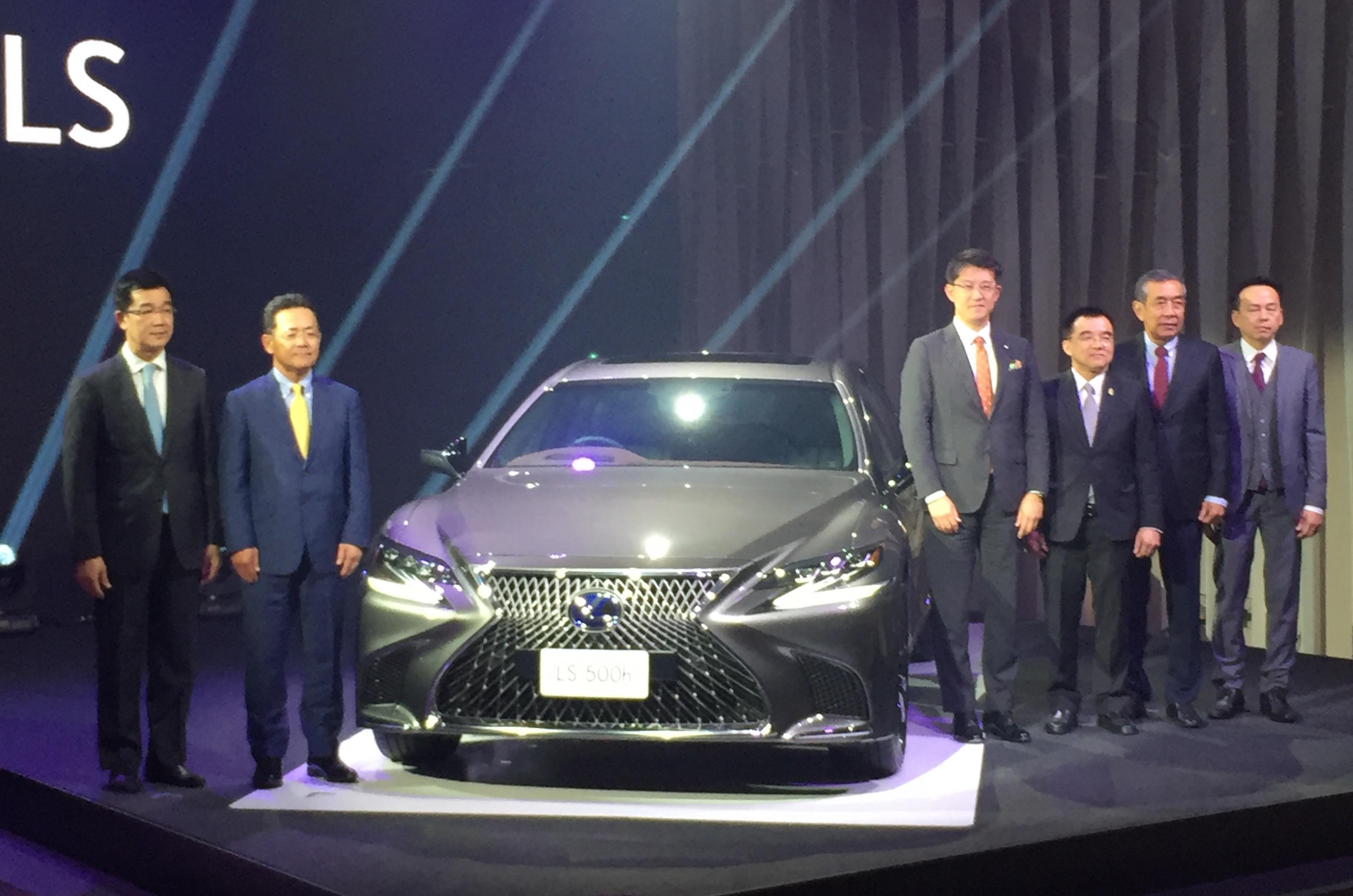 1-Lexus-2