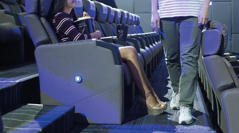 Zigma CineStadium โรงหนังใหม่จาก SF ที่แก้ปัญหาทางเดินระหว่างที่นั่งได้ !