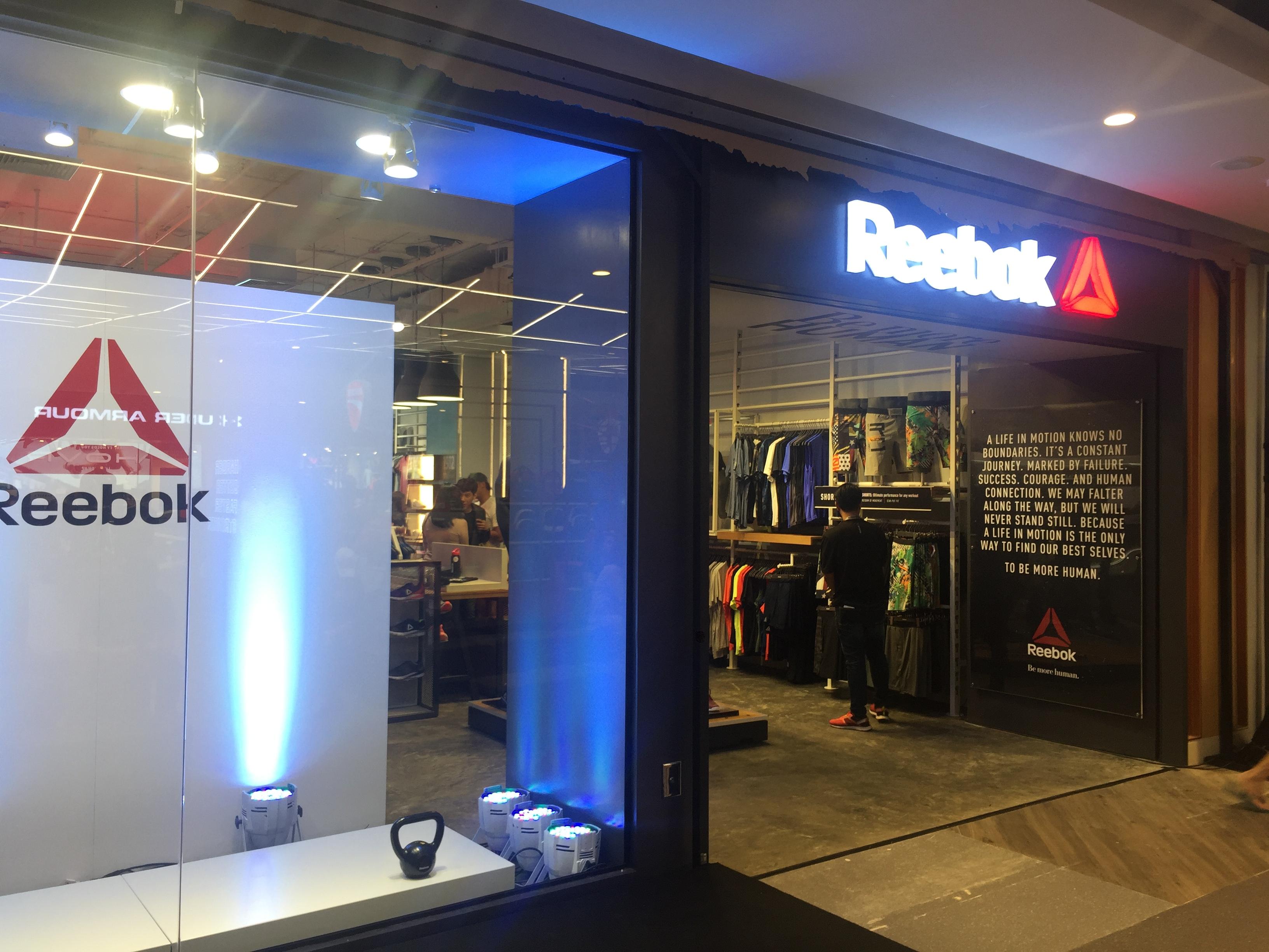 รีบอค เปิดตัวร้าน